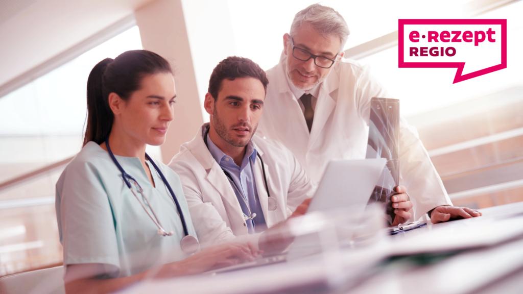 Das E-Rezept bietet auch beim Arzt und in der Apotheke zahlreiche Vorteile. Welche, das erfahren Sie im e-Rezept REGIO Blog.